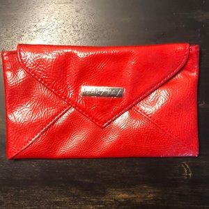 NWOT Mary Kay Magnetic Clutch